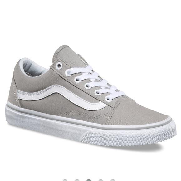 ec3efca31d8e Old skool light gray Vans NWOT. M 5ac8565e05f4302abd702de4
